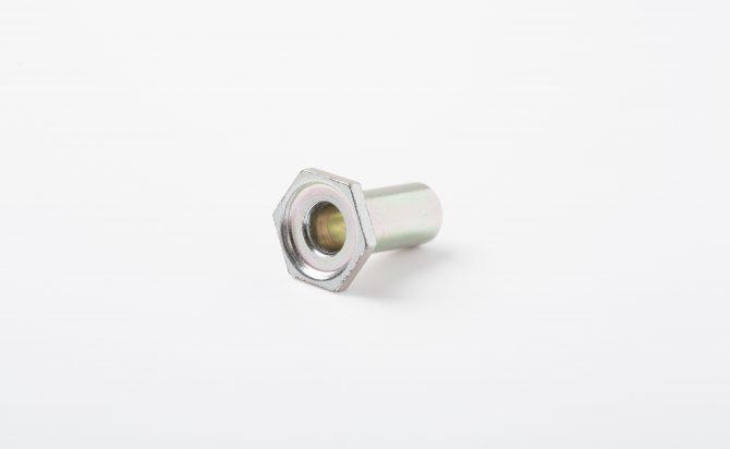 SWCH12A材冷間鍛造品(自動車用 カラー部品)
